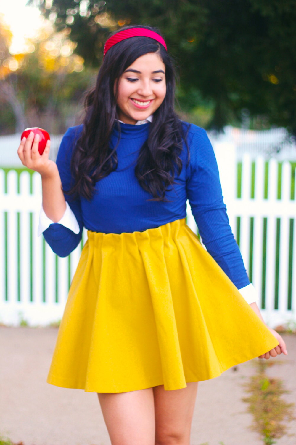 HALLOWEEN COSTUME, COSTUME, HALLOWEEN, DIY HALLOWEEN COSTUME, DIY COSTUME, DIY, SNOW WHITE, DISNEY, DISNEY HALLOWEEN COSTUME, SNOW WHITE HALLOWEEN COSTUME, DIY DISNEY HALLOWEEN COSTUME, DIY SNOW WHITE HALLOWEEN COSTUME, SPOOKY, CUTE HALLOWEEN COSTUME, CUTE DISNEY HALLOWEEN COSTUMES, EASY HALLOWEEN COSTUMES, EASY COSTUME, EASY DIY COSTUME, EASY DIY HALLOWEEN COSTUME, CUTE AND EASY HALLOWEEN COSTUME, EASY DISNEY HALLOWEEN COSTUME, COUPLE COSTUME, DIY COUPLE COSTUME, DISNEY DIY COUPLE COSTUME, WOMENS COSTUMES, DIY WOMENS COSTUMES, GIRLS COSTUMES, DIY GIRLS COSTUMES, EASY DIY GIRLS COSTUMES, EASY GIRLS COSTUMES, EASY WOMENS COSTUMES, EASY DIY WOMENS COSTUMES, TEEN COSTUMES, EASY TEEN COSTUMES, EASY DIY TEEN COSTUMES, QUICK AND EASY TEEN COSTUMES, QUICK AND EASY WOMENS COSTUMES, QUICK AND EASY GIRLS COSTUMES, LAST MINUTE DIY COSTUMES, LAST MINUTE DIY HALLOWEEN COSTUMES, DIY WOMENS HALLOWEEN COSTUMES, DIY WOMEN HALLOWEEN COSTUMES, DIY TEEN HALLOWEEN COSTUMES, DIY GIRL HALLOWEEN COSTUMES,